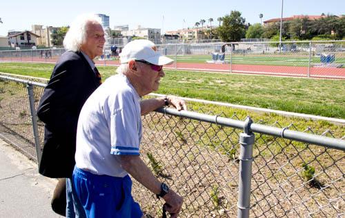uni t&f pix v SP-Hami 31716 Coach K & Chuck Levin